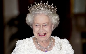 The queen recommends trump take a driving tour of paris for Case della regina anne vittoriana