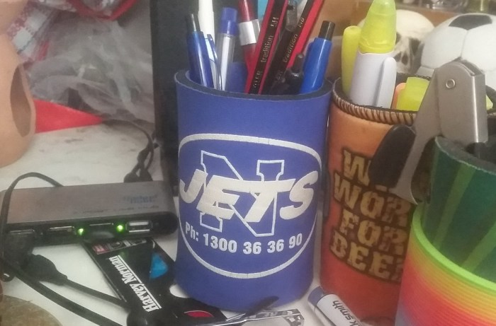 jets-stubby-holder