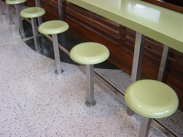 food-court-stool-1525537-640x480