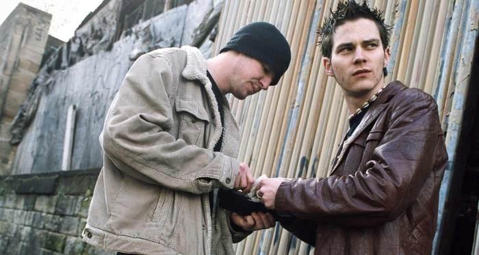 drug-dealing-men