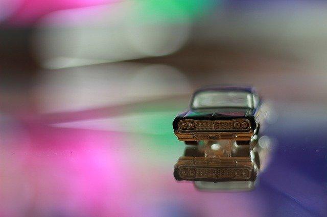 car-1795926_640